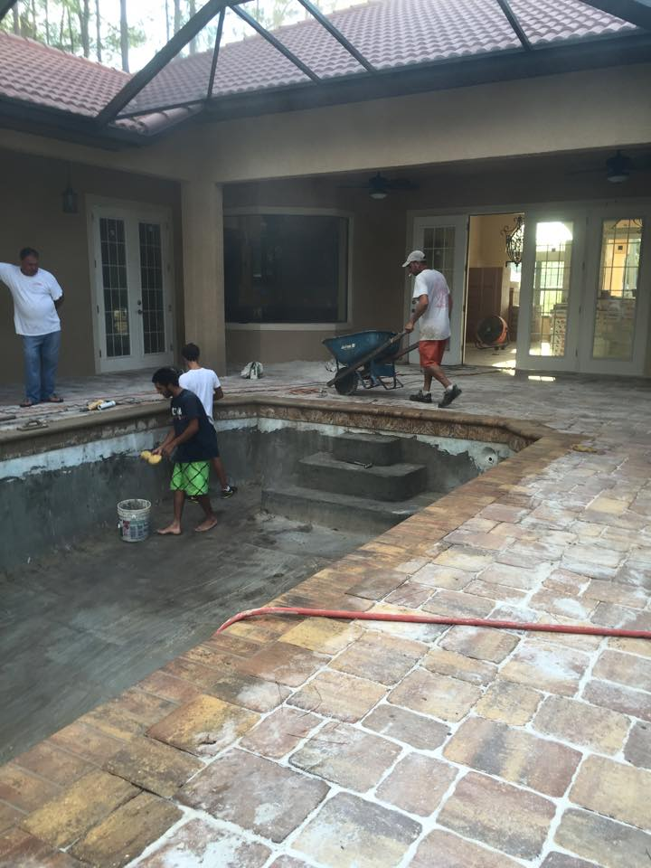 Custom in ground pool in Palm Coast by Agua Construction